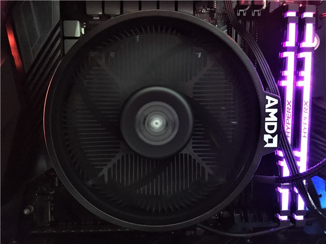 Cooler-ul Wraith Spire inclus cu AMD Ryzen 5 3600X