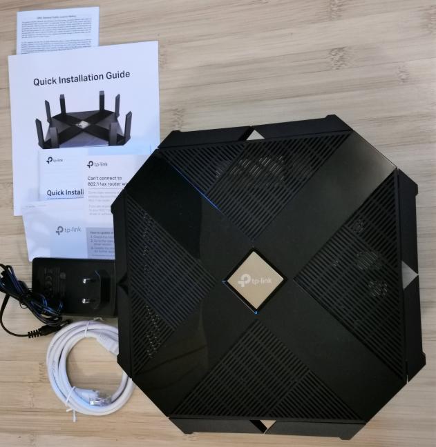 TP-Link Archer AX6000 - Ce găsești în cutie