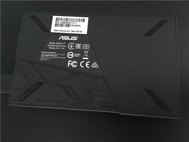 Spatele lui ASUS FX HDD
