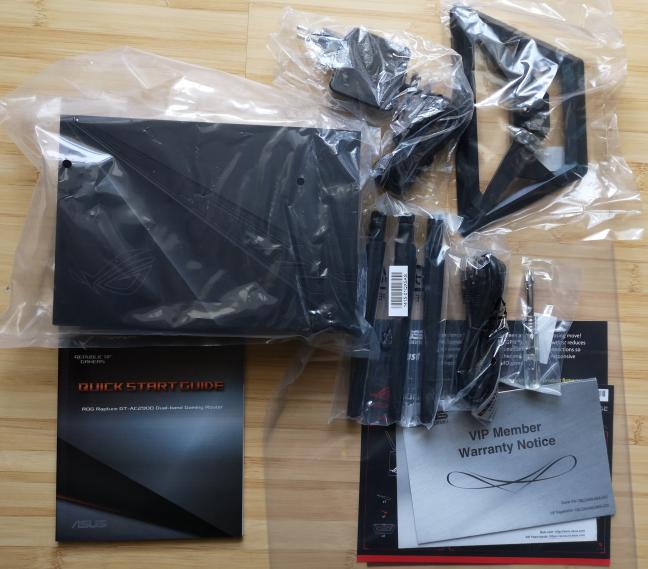 ASUS ROG Rapture GT-AC2900: ce găsești în cutie