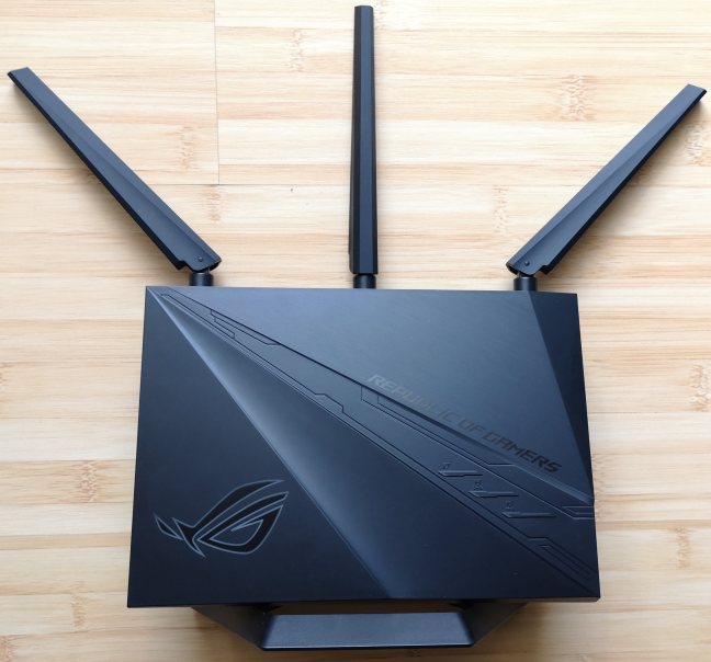 Routerul wireless ASUS ROG Rapture GT-AC2900