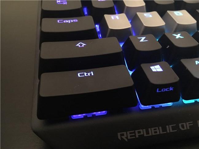 Tasta Control stângă este la fel de mare ca tasta Shift