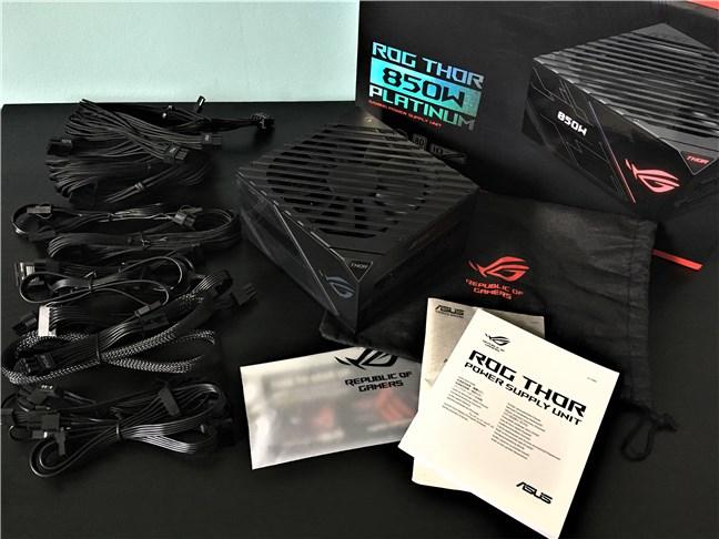 ASUS ROG Thor 850W Platinum: ce găsești în cutie