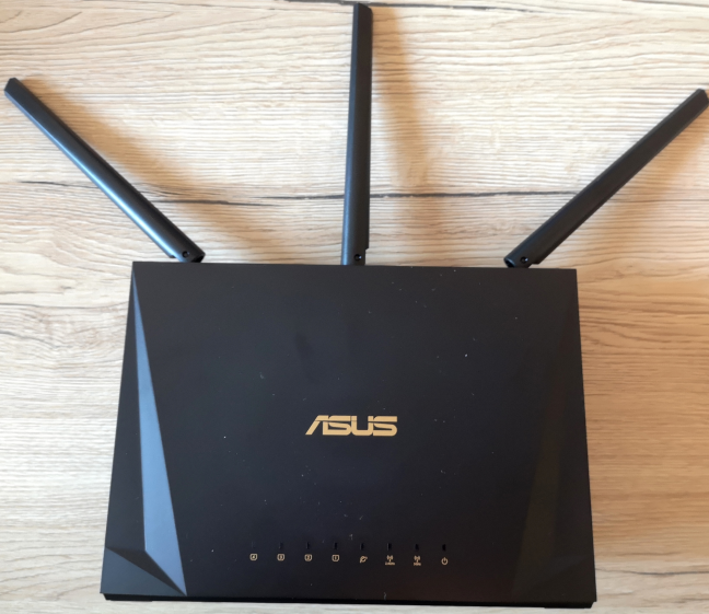 Routerul wireless ASUS RT-AC85P AC2400