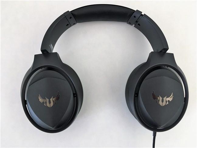 Headset-ul ASUS TUF Gaming H5 văzut de sus