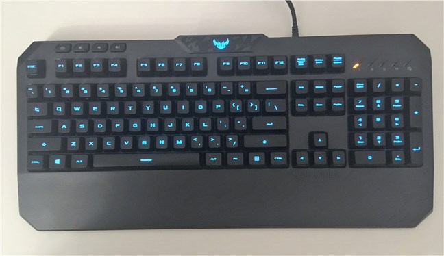 Vedere de sus a tastaturii ASUS TUF Gaming K5