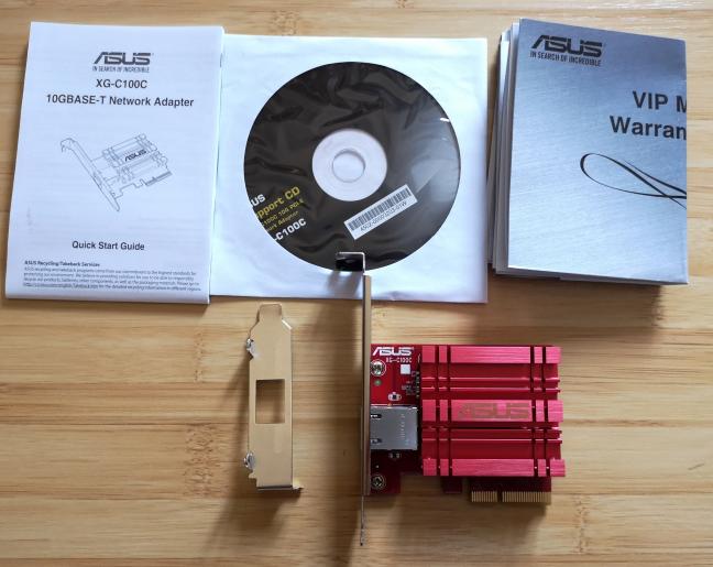 ASUS XG-C100C: Ce găsești în cutie?