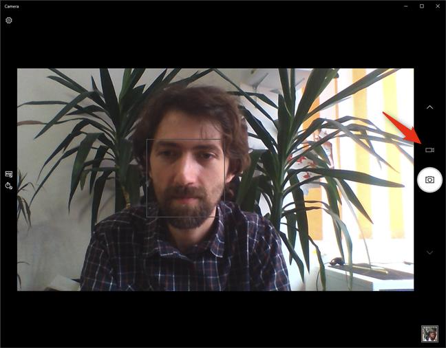 Butonul Capturați Video din aplicația Cameră
