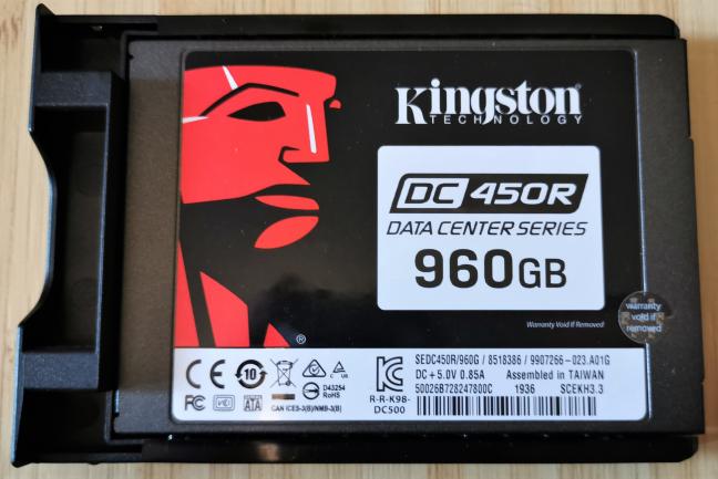 Kingston DC450R SSD folosit în Synology DiskStation DS419slim