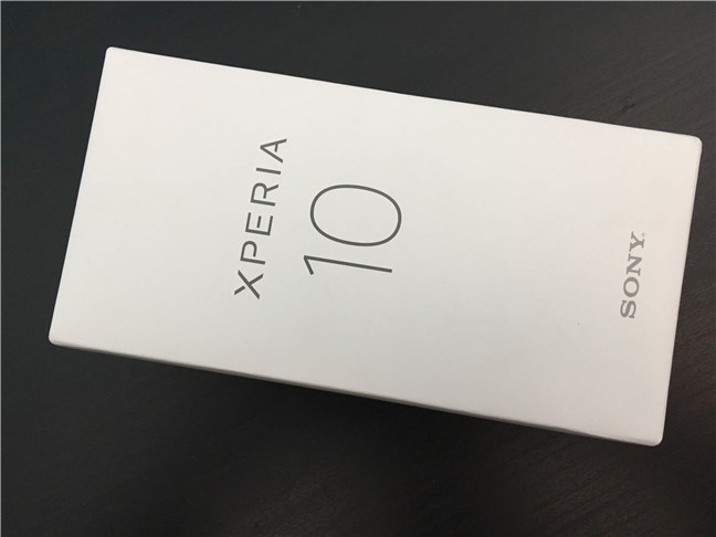 Cutia lui Sony Xperia 10