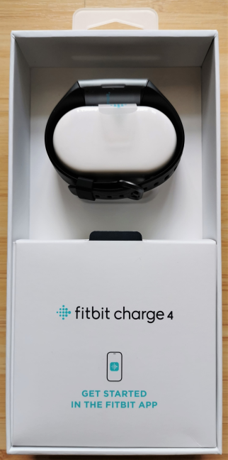 Despachetarea Fitbit Charge 4