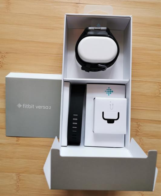 Despachetarea Fitbit Versa 2