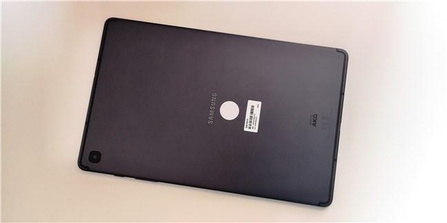 Spatele tabletei Samsung Galaxy Tab S6 Lite