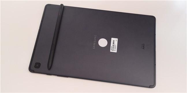 Samsung Galaxy Tab S6 Lite și creionul S Pen