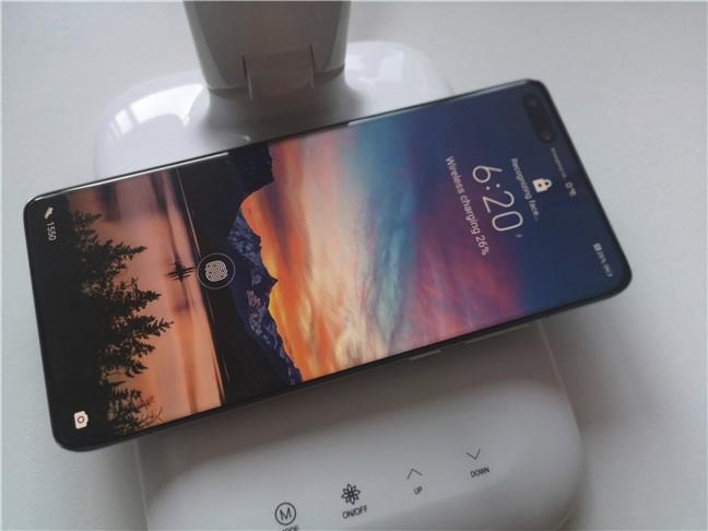 Huawei P40 Pro suportă încărcarea wireless