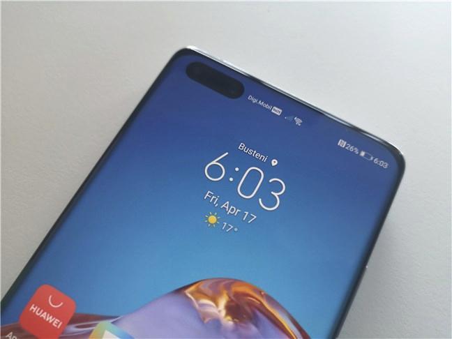 Huawei P40 Pro: camerele frontale se găsesc într-o tăietură eliptică în ecran