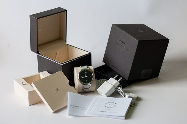 Huawei W1, smartwatch, Android Wear, review, design, aspect, facilitati, baterie, ceas inteligent