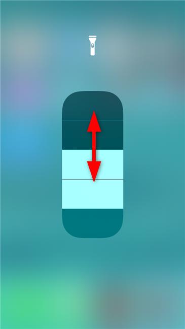 Ajustarea luminozității lanternei pe un iPhone
