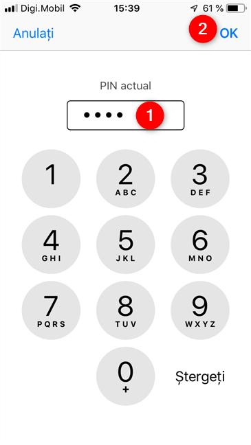 Introducerea PIN-ului actual pentru cartela SIM, pe un iPhone