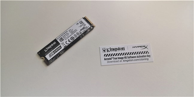 Kingston KC2500 1 TB M.2 NVMe PCIe SSD: Ce găsești în blister