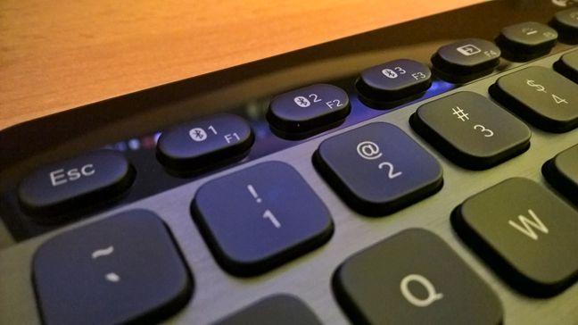 Logitech, Bluetooth, Illuminated, Keyboard, K810, wireless