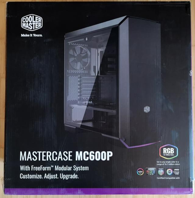 Cutia în care vine Cooler Master MasterCase MC600P