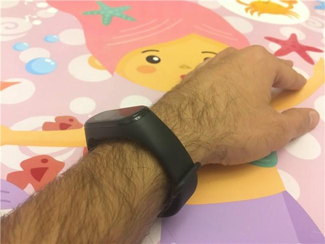 Xiaomi Mi Smart Band 4 nu impresionează cu felul în care arată