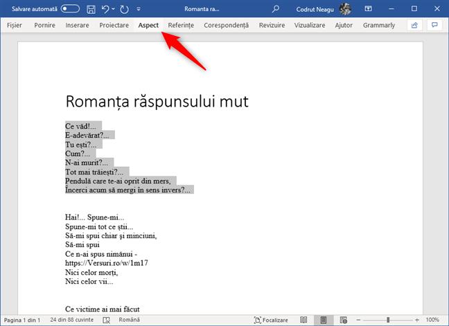 Selectare text și deschiderea filei Aspect din Microsoft Word