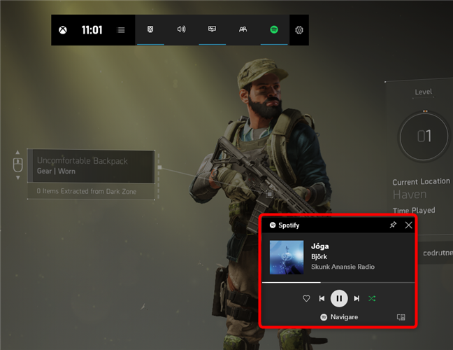 Ascultând muzică pe Spotify în timpul unui joc