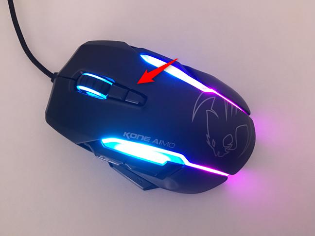 Butoanele DPI de pe mouse-ul de gaming ROCCAT Kone AIMO