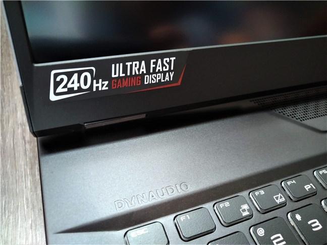 MSI GT76 Titan DT 9SG cu ecran super-rapid cu o rată de reîmprospătare de 240 Hz
