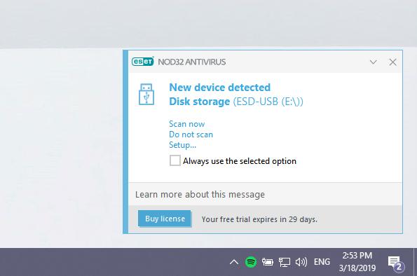 Notificarea ESET NOD32 Antivirus la conectarea unui stick USB