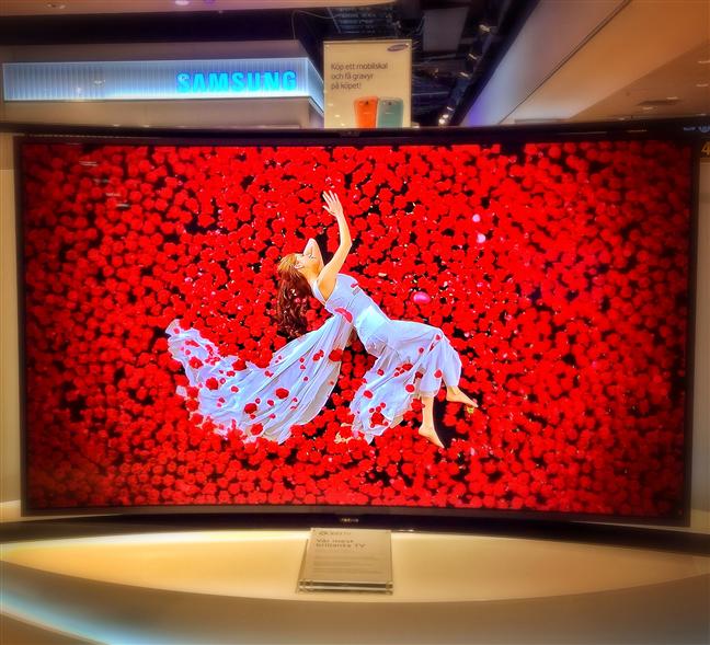 Un televizor OLED realizat de Samsung