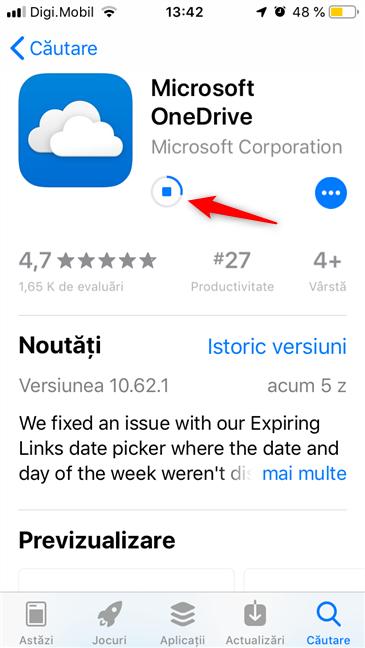 Așteptând descărcarea și instalarea aplicației OneDrive