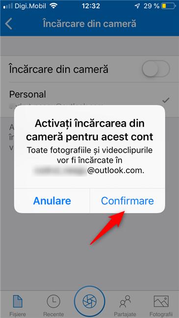 Activarea încărcării fotografiilor în OneDrive, pe un iPhone