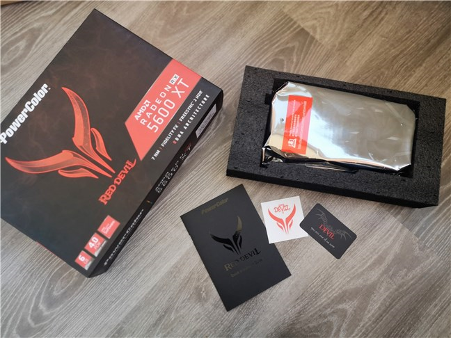PowerColor Radeon RX 5600 XT Red Devil: Ce găsești în cutie