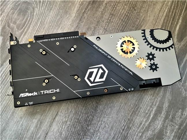 Placa metalică de pe ASRock Radeon RX 5700 XT Taichi X 8G OC+