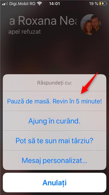 Mesaj personalizat în Răspuns prin mesaj, pe un iPhone