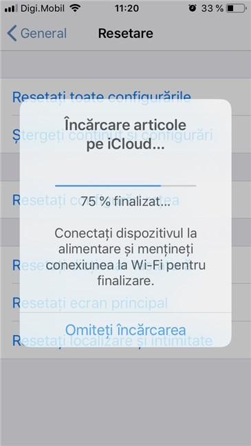 Un iPhone face copia de rezervă a setărilor și datelor de pe el