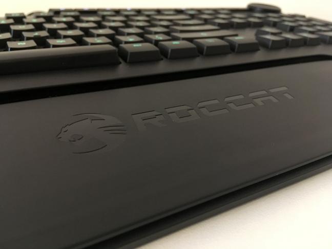 Suportul pentru încheieturi al tastaturii ROCCAT Horde AIMO