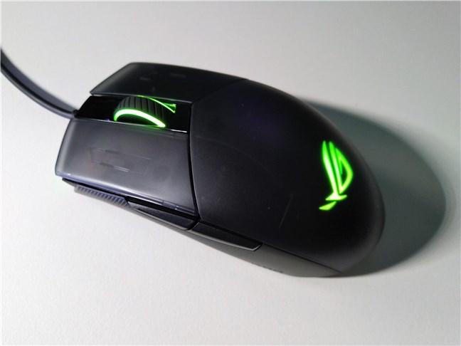 Mouse-ul de gaming ASUS ROG Strix Impact II este iluminat RGB