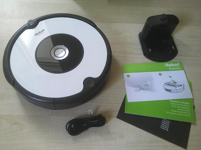 Conținutul cutiei lui iRobot Roomba 605