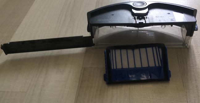 Coșul colector și filtrul lui iRobot Roomba 605 /606