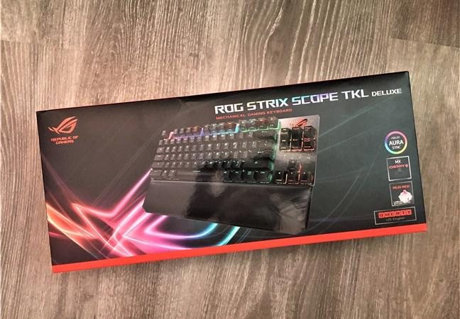 Pachetul lui ASUS ROG Strix Scope TKL Deluxe