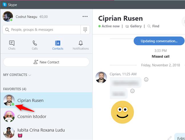 Contactele online sunt evidențiate de Skype cu o pictogramă verde