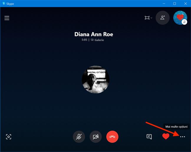 Butonul Mai multe opțiuni în timpul unui apel pe Skype