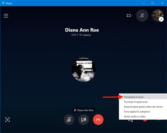 Opțiunea Partajează ecranul în timpul unui apel Skype