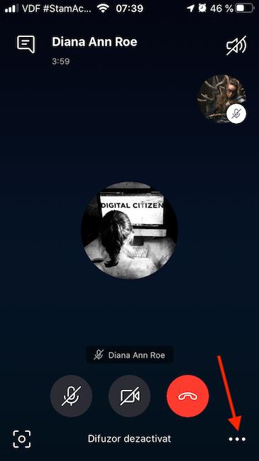 Butonul Mai multe opțiuni din aplicația Skype pentru iOS