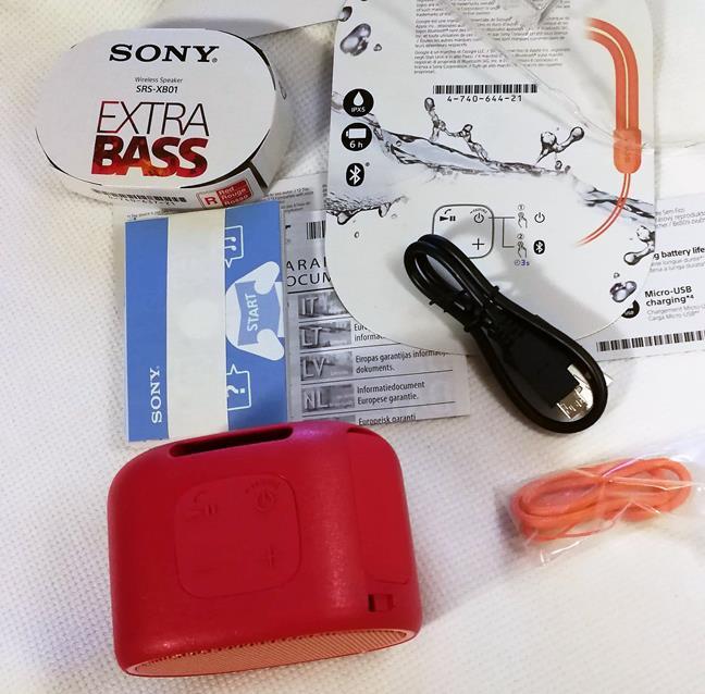 Conținutul pachetului cu boxa portabilă Sony SRS-XB01