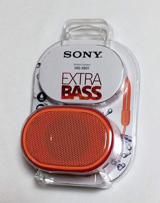 Pachetul cu boxa portabilă Sony SRS-XB01